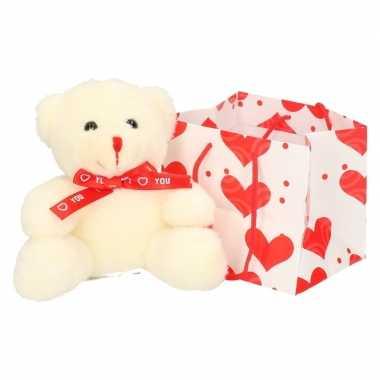 Witte pluche knuffelbeer rood sjaaltje